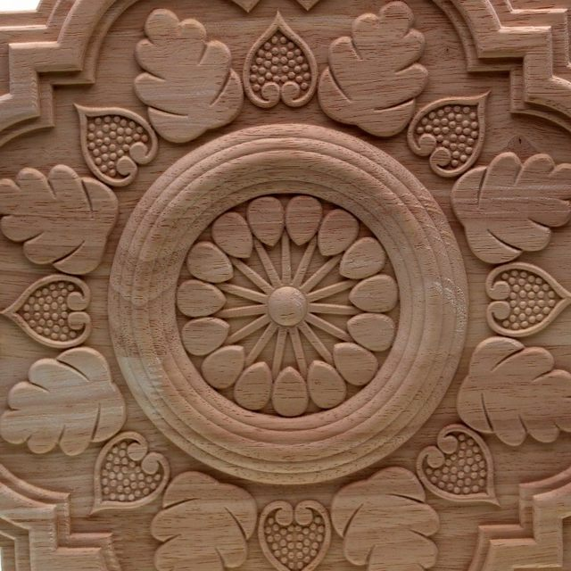 RUNBAZEF Circular Carving Natural Wood Appliques Furniture Cabinet  Unpainted Wooden Mouldings Decal Decorative Figurines Craft