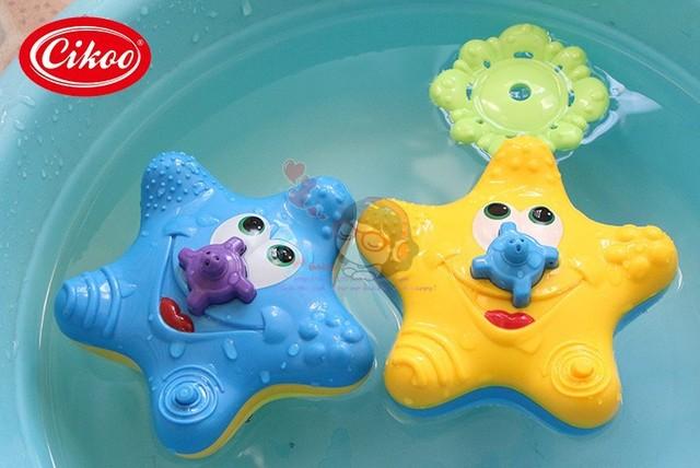 O envio gratuito de 2015 novo padrão de estrelas do mar para o banho de água ferramenta de pulverização de água do brinquedo do bebê brinquedos para as crianças e as crianças brinquedo electirc