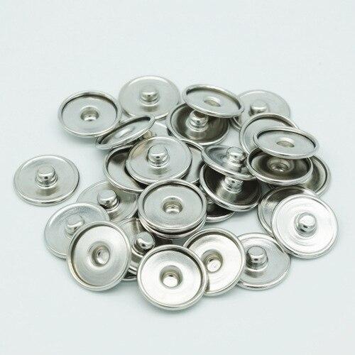 Takı ve Aksesuarları'ten KİMLİK Bilezikleri'de Ücretsiz DHL 1000 adet/grup çırpıda yeni düğmesi Takı metal baskı Aksesuarları içinde 18mm dış 20mm snap yeni düğme yapış Bilezik'da  Grup 1