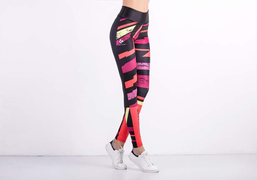 d837427e813b5 China Clothing Women Workout Yoga Clothes Custom Made Sublimation Printed  Womens Sports Fitness Leggings for Gym Wear-in Yoga Pants from Sports ...