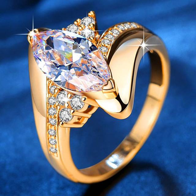 Luxurious Engagement/ Statement Ring 4