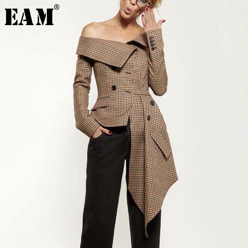 [EAM] Высокое качество 2018 осень длинный рукав Slash шеи Асимметричная Длина Shrink талии Тонкий плед пальто мода новый Для женщин LC068