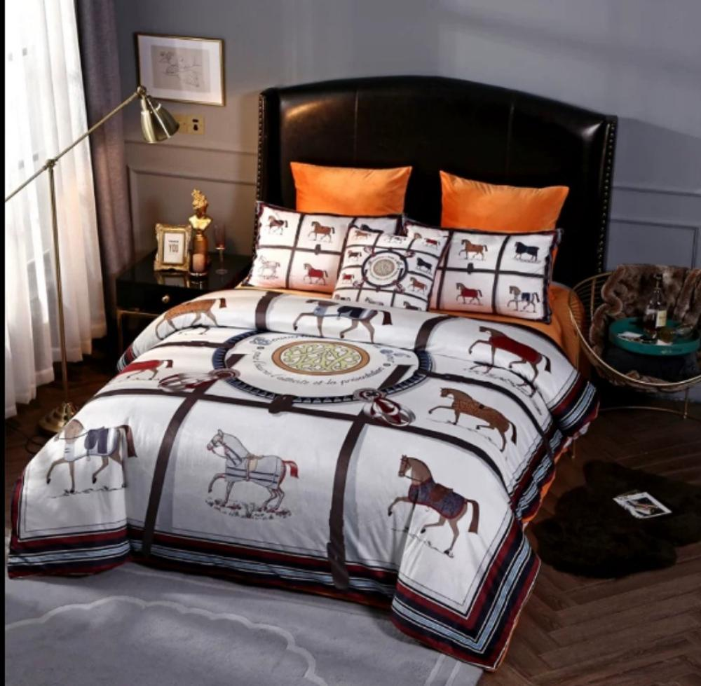Bedding Set Plush Warm Print Horese Palcae Royal Bedclothes Comforter Cover 4Pcs King Queen Size Quilt Cover