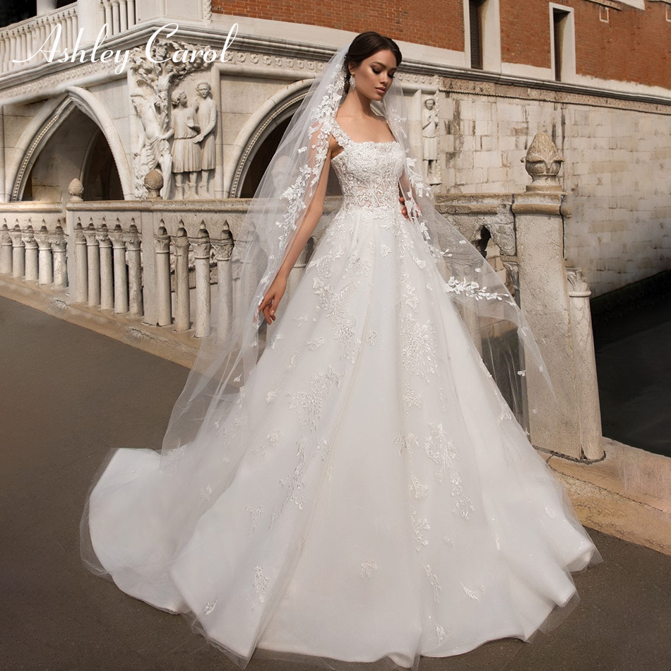Ashley Carol Graceful Boat Neck Vintage Wedding Dress 2019 New Beaded Appliques Princess Court Train Bridal Dress Wedding Gowns