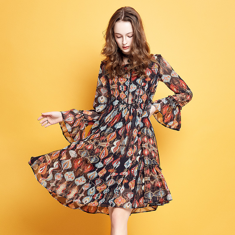 ARTKA 2019 Summer Women Vintage Dress Square Collar Loose Long Sleeve Print Knee-length Dress Lady Retro Dresses LA11380Q