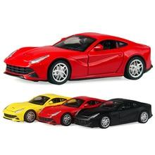 Alloy Cars 1:32 F12 Superbil Draga Back Diecast Modell Toy med ljusblinkande simuleringsljud 4 Dörr kan öppnas Giftleksak för barn