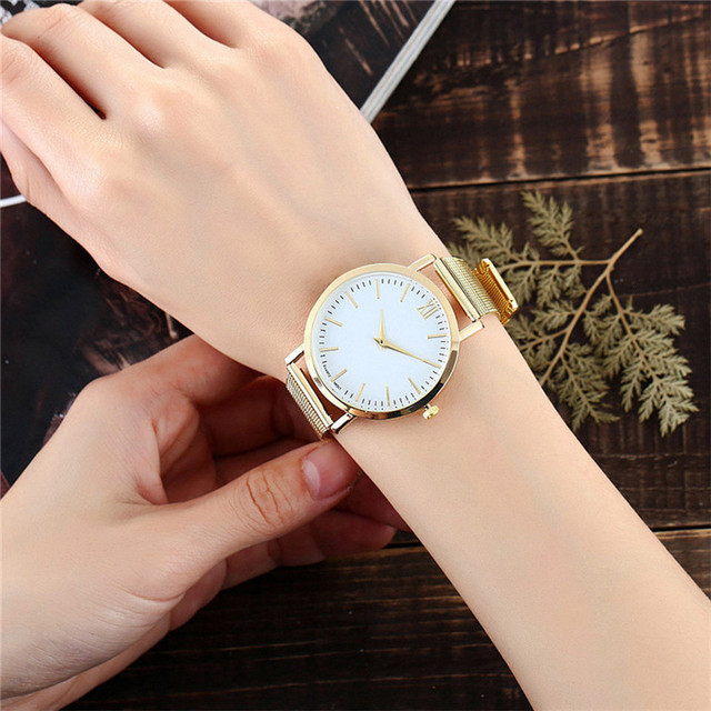 FR@ 2018 new Lover's simple style Quartz Analog Wrist Delicate Alloy Watch Luxur