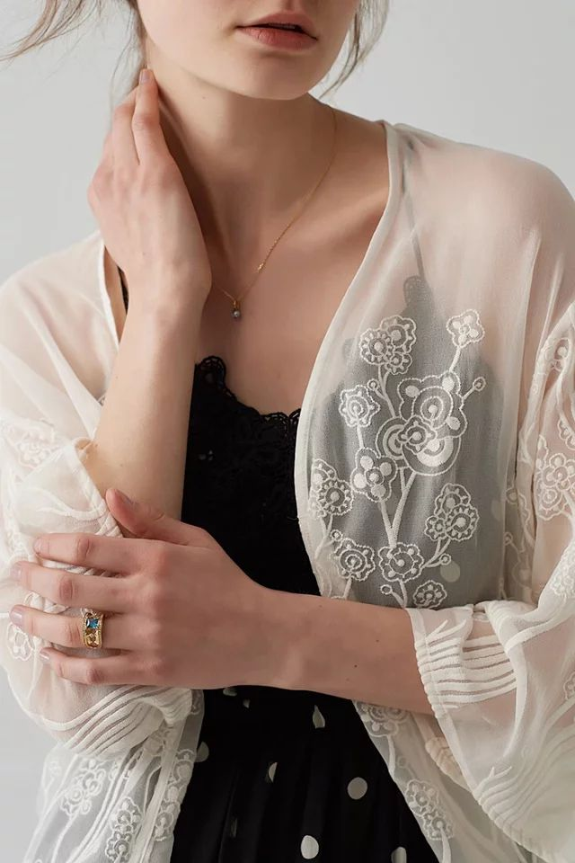 Women Jacket 2019 Summer New Positioning White Embroidery Seven point Sleeve Sunscreen Cardigan in Jackets from Women 39 s Clothing