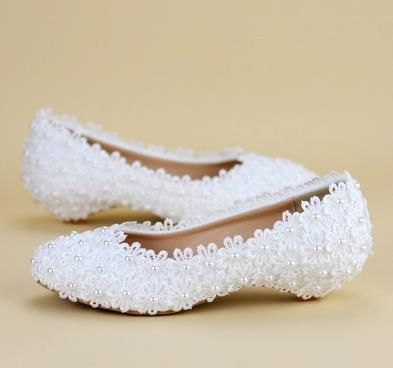 Girls shoes White Flower Wedding Shoes Lace Pearl Flats Sweet Bride Dress Shoes Plus Size 43 44 Beading Flat Shoes women wedding shoes flat heel round toes plus size bride shoes lady female sweet lace pearls proms dress evening party shoes