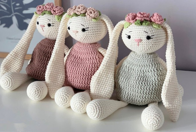 Pretty Bunny with floppy ears - Crochet Pattern - Amigurumi Today | 458x678