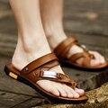 Летние сандалии мужских ног скольжения пляжная обувь дышащие кожаные сандалии корейский 2016 новые люди тапочки