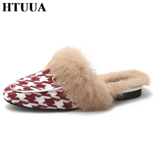 559dfc77ce63 HTUUA Fashion Brand Plaid Slippers Women Flat Mules Shoes Fluffy Furry Fur  Slippers Outdoor Home Slipper