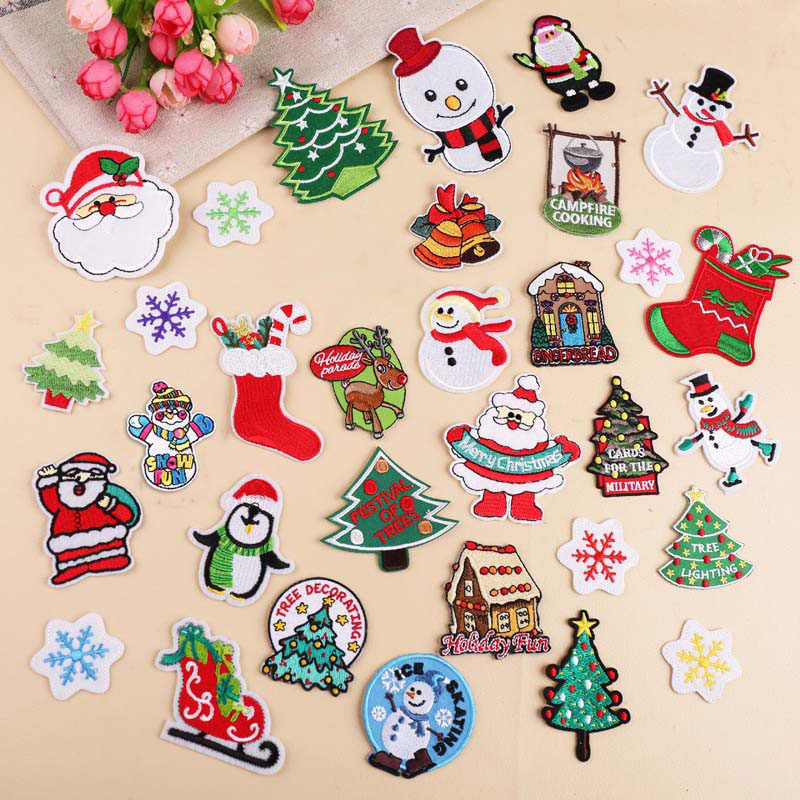 1Pcs Christmas Style Embroidery Patch Heat Transfers Iron On Sew On Patches for DIY Clothes Stickers Decorative Appliques 47278