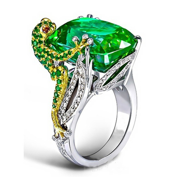 Classic Frog Hold Crystal Rings for Women