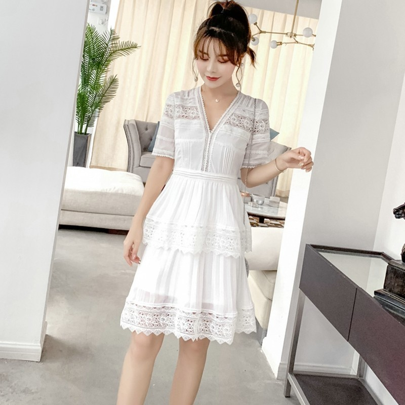 2019 New Summer Women Runway Robe Femme Holiday Cake Knee Length Party Dresses V Neck White Chiffon Patchwork Lace Pleated Dress