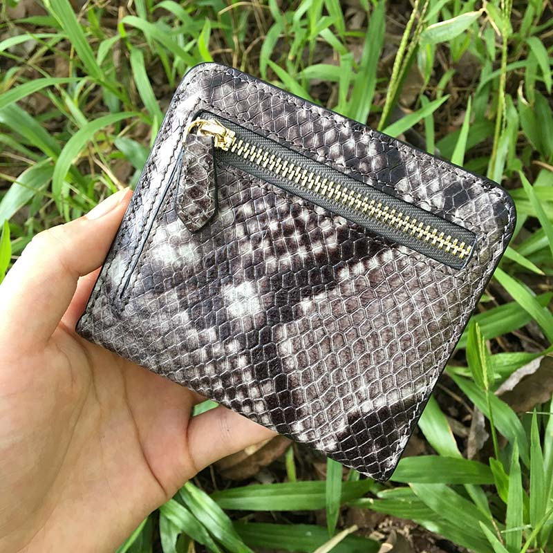 2017 Genuine Leather Snake Women Short Wallets Ladies Fashion Small Wallet Coin Purse Female Card Wallet Purses Gray Money Bag