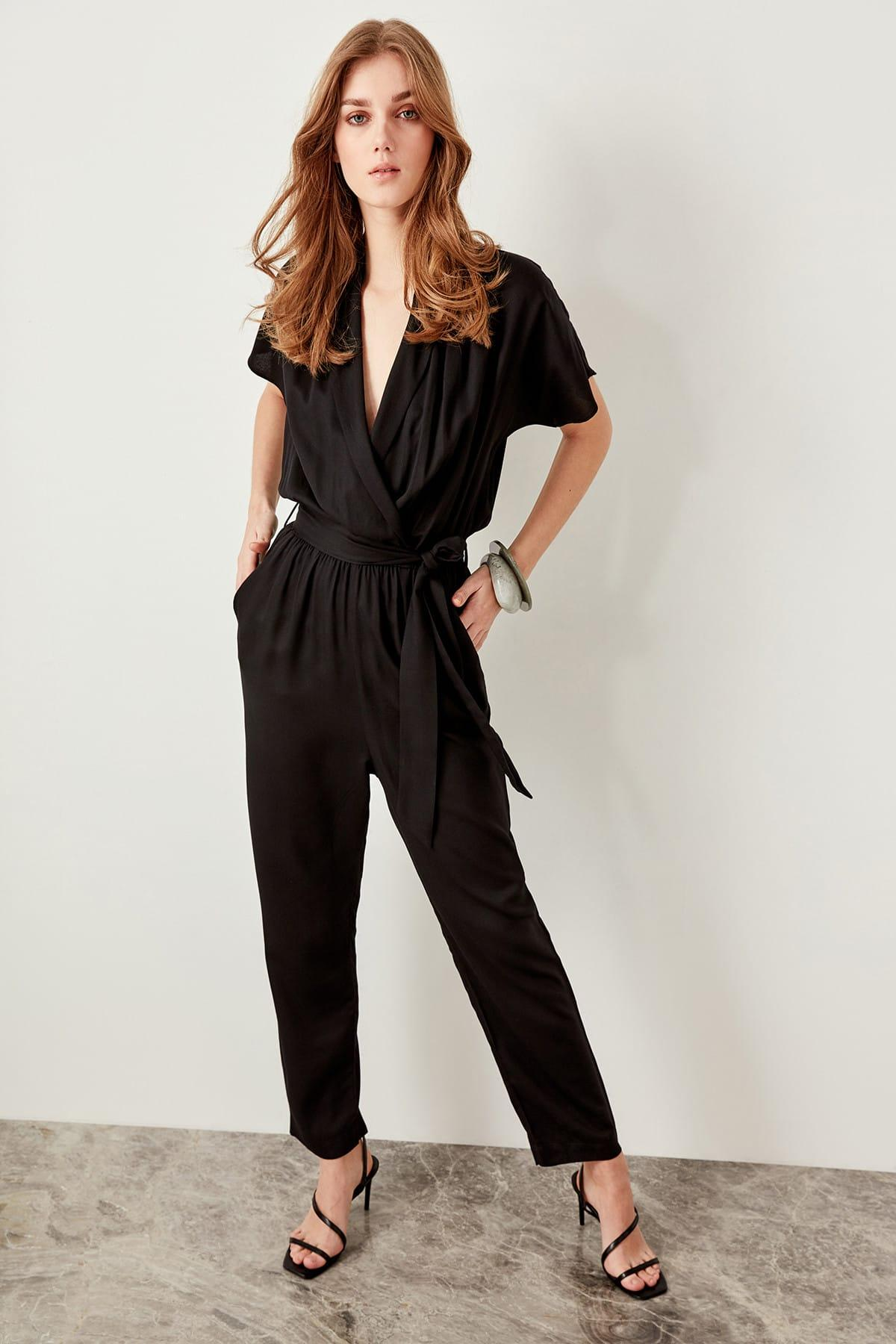 Trendyol Black Lacing Detaylı Jumpsuit TWOSS19LJ0158