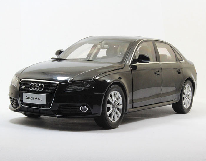1:18 Diecast Model for Audi A4L 2010 Black Alloy Toy Car Miniature Collection Gifts A4 fine special offer jc wings 1 200 xx2457 portuguese air b737 300 algarve alloy aircraft model collection model holiday gifts