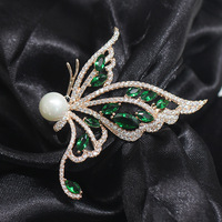 The New Retro mosaic green butterfly brooch pin and atmospheric simple imitation pearls 5.7*4.4cm