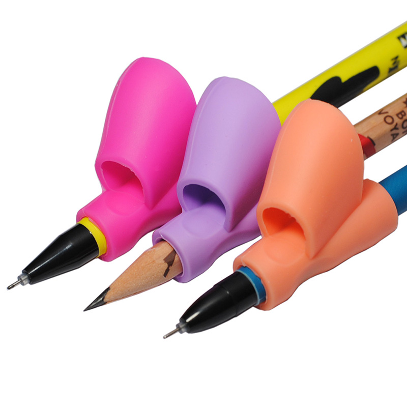 Pencil Grip Ergonomic Writing Aid for Righties Kids Learning Hold Pen Writing Posture Correct Fit on Pencil Pen Crayon Drawing