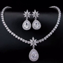 все цены на Top Quality Cubic Zirconia Jewelry Set for Wedding Water Drop Necklace and Earring Sets Luxury Silver and Gold Costume Jewelry онлайн