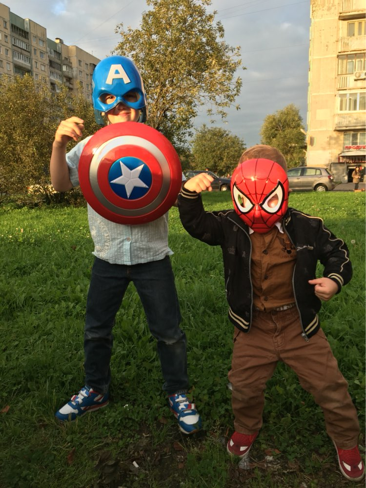 Child Costume party 32CM The Avengers Captain America Shield Light & Sound cosplay property Toy Metallic shield baby kids gift