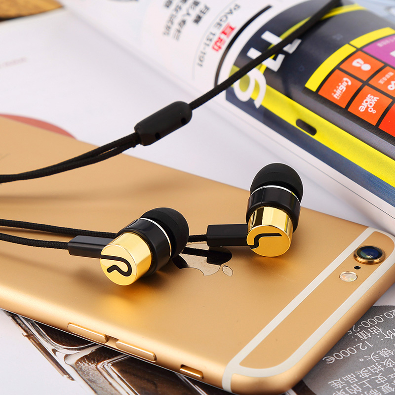 Universal Jack Durable Fiber Cloth Earphone Sport Earbuds Clear Loud Music Earphone For