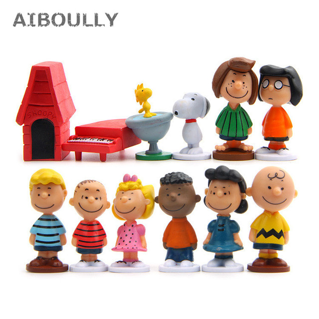 12pcs/pack Cut Anime Peanuts Figurine Charlie Brown And Friends Beagle Woodstock Miniature Model kids toy gift Animiation Action