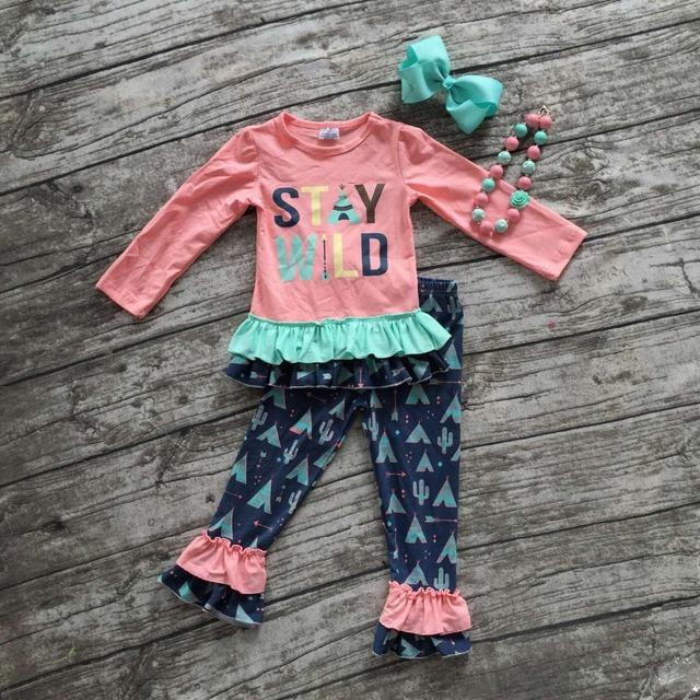 """2016 Otoño/invierno ropa de bebé boutique trajes """"permanecer salvaje"""" ropa pantalón de manga larga sets con un arco a juego y necklaceset"""