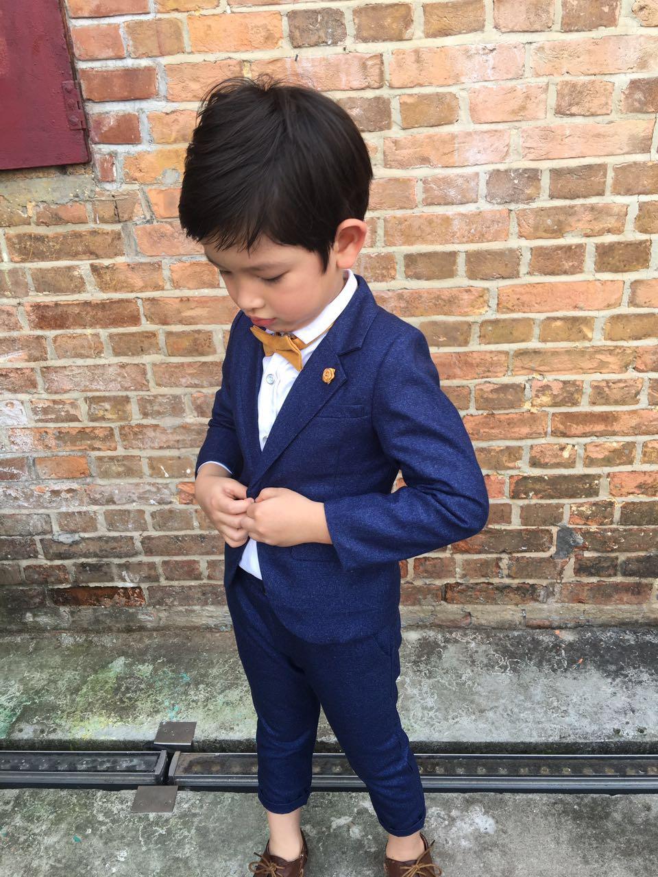 Gemütlich Kleinkind Junge Hochzeit Outfit Fotos - Brautkleider Ideen ...