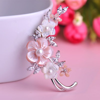New Top Quality Charming Flowers Brooches Corsage Classy Shell Pearl Zircon Broche Pin Scarf Clip Fashion