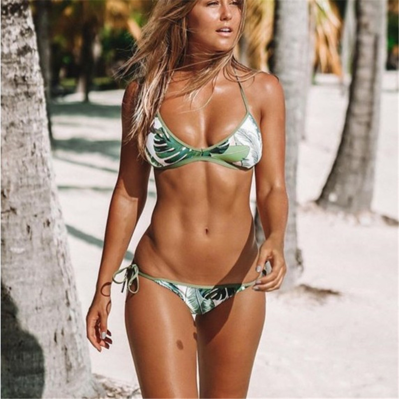 <font><b>2018</b></font> <font><b>Sexy</b></font> <font><b>Women</b></font> Swimsuit printing <font><b>Swimwear</b></font> <font><b>Brazilian</b></font> <font><b>Bikinis</b></font> Green <font><b>Brazilian</b></font> <font><b>Bikini</b></font> Set <font><b>Halter</b></font> Bathing Suits image