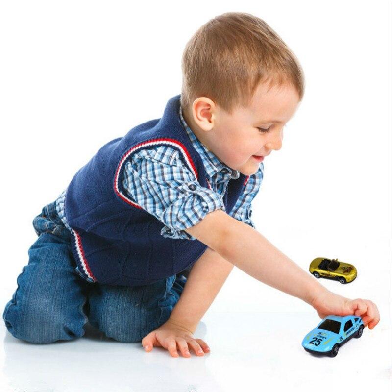 2018 Nuevo 1 unids Modelo Q Mini Coche de Aleación de Bolsillo - Vehículos de juguete para niños - foto 6