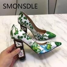 2018 Musim Semi Musim Panas Hijau Bordir Sepatu Tumit Aneh Wanita Menunjuk Toe Slip Pada Pompa Bunga Lady Mode Sepatu Pesta Pernikahan