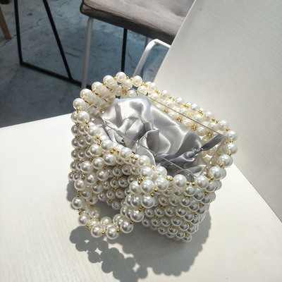 2018 women Lady s Evening Bags Pearl Beads Wedding Bags 100 handmade Mini Bridal Bag Luxury