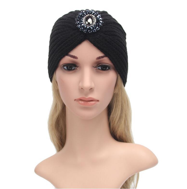 2016 mulheres Da Moda inverno quente chapéus de metal jóias Índia cap  Turbante cabeça envoltório cashmere quentes chapéus Gorros chapéus das  mulheres 4712e81421f