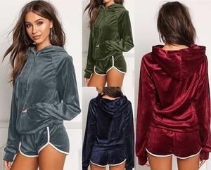 Image 5 - ZOGAA Hot Koop 2019 Zomer Vrouwen Sets Cropped Lange Mouwen Tops en Shorts Set 2 Stuks Vrouwen Trainingspakken Casual T shirts Shorts