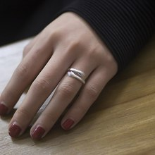Fashion Warm Hug Hand Shape Simple Cuff Ring Love Hug Couple Open Ring Ring Commemorative Jewelry(China)