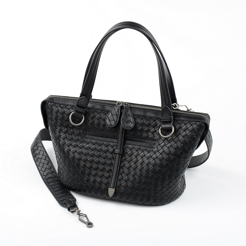 2019 Newest Woman Handbag Single Shoulder Bag Sheepskin Handmade Woven High quality Internal and external dermis