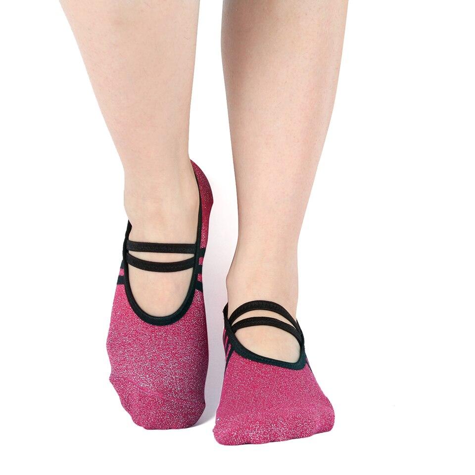 Women Anti-Skid Sports Yoga Toe Socks Fitness Five Fingers Gym Breathable Sock Wine red V-Neck