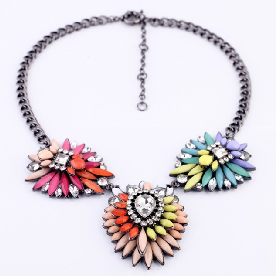 New Luxury Brand Rainbow Crystal Flower Choker Necklace Factory Wholesale