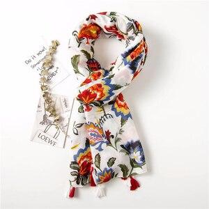 Image 4 - Moda feminina colorido flor impressão estilo nacional viscose cachecol borla xales e envoltórios pashmina bandana muçulmano hijab sjaal