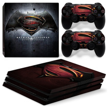 a PS4 PRO Playstation 4 PRO konzolhoz Bőrdíszítő matrica Stormtrooper + 2 vezérlõkészlet Set of Batman vs superman hajnalban Justic
