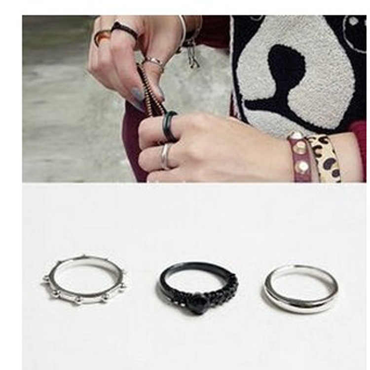Korean fashion three-piece retro personality black ring metal ball joint set ring party holiday women hundred matching accessori