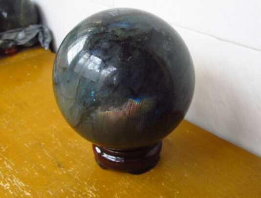 B0601 422 TOP NATURAL Labradorite Great Shine / Fire SPHERE BALL HEALING Pedestal  Statue