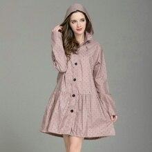 cbc18cb536cd0 المعطف الطويل النساء للماء خفيفة الوزن النساء مع قبعة Laydies اللباس نمط  معطف واقي من المطر