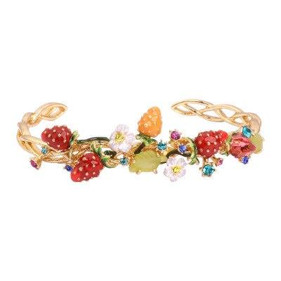 Magic Plants série fraise fleur Multi facteurs large bracelet pour femmes bracelet à breloques Femme Bileklik 2018 bijoux de mode