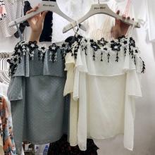 Koreai Appliques Floral Ruffles Női Fehér Pólók 2018 Új Nyári Off Shoulder Femme Pulóver Loose Short Sleeve Női Blúzok