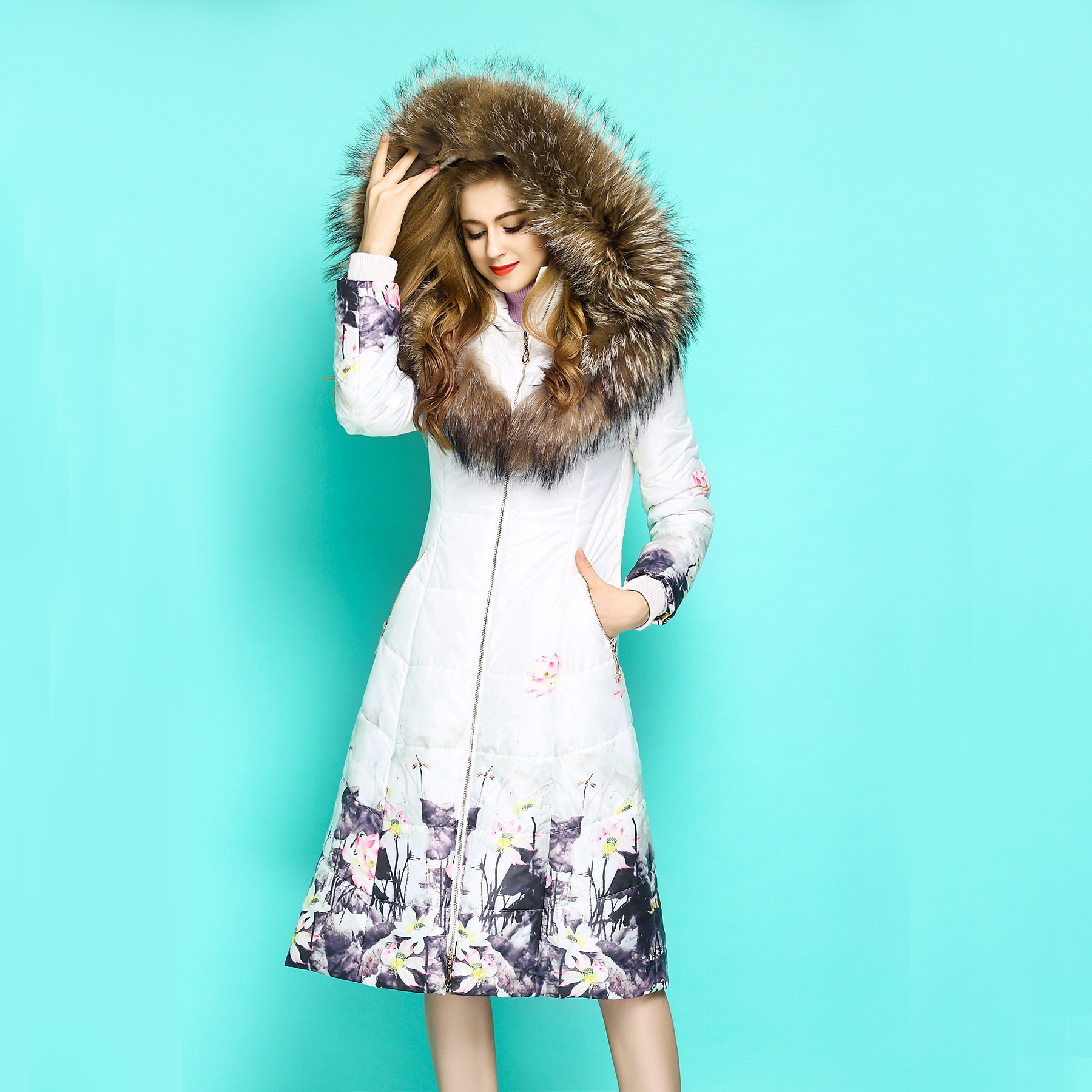 High End Winter Women Jacket Large Real Raccoon Fur Collar parka Print White Down Cotton Padded Coat Hooded Xlong Parka female