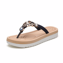 2019 Spring and summer new sandals flat bottom diamond toe bohemian fashion Flip woman flip flops